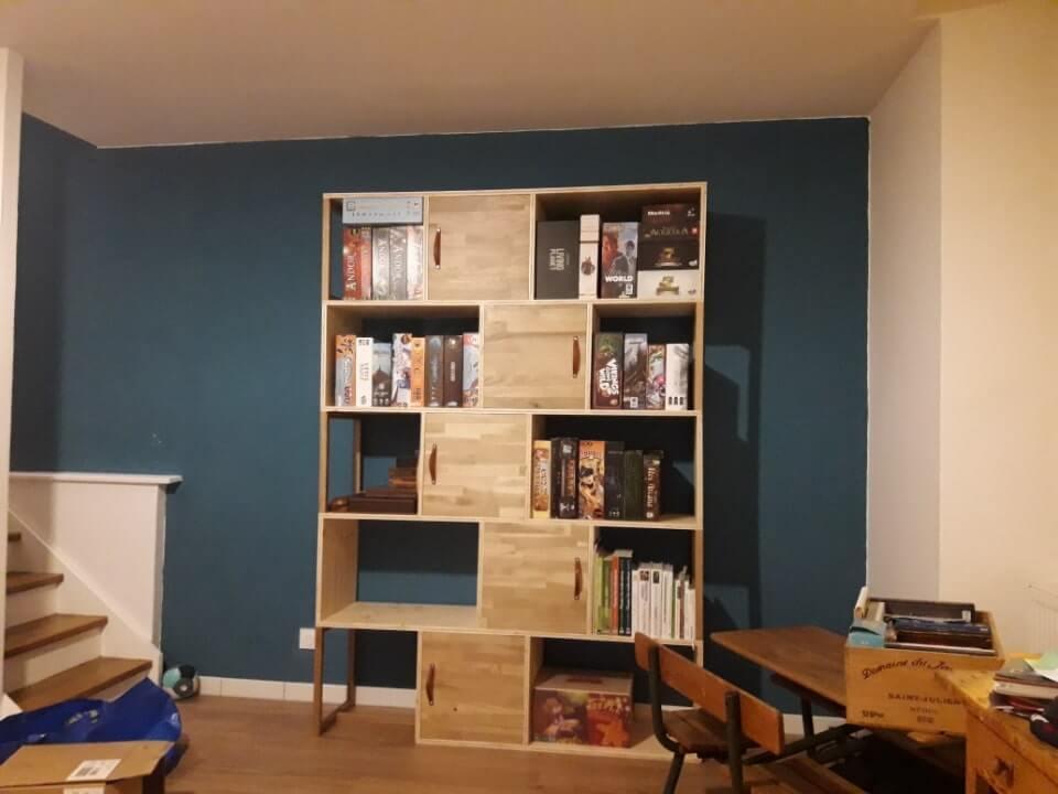 Bibliothèque avec compartiments fermés (chêne, épicéa et cuir)
