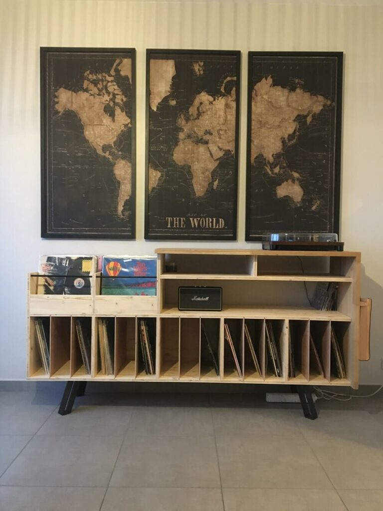 Meuble à vinyles sur mesure - Chez le client