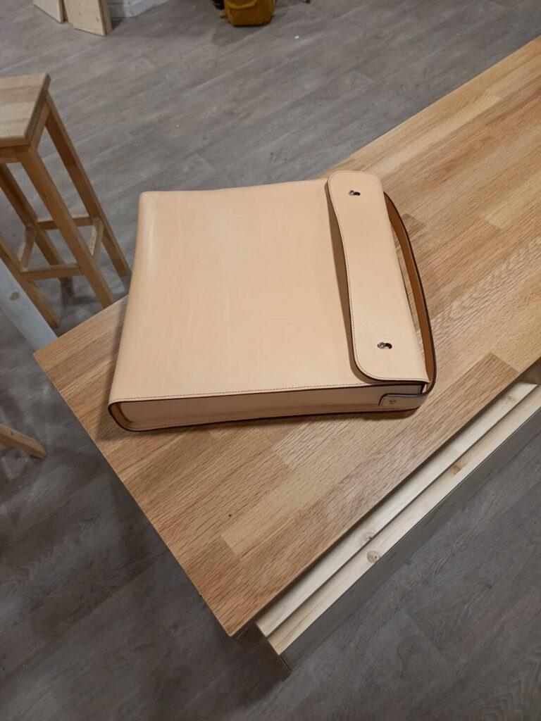 Pochette à vinyles en cuir (détachée)