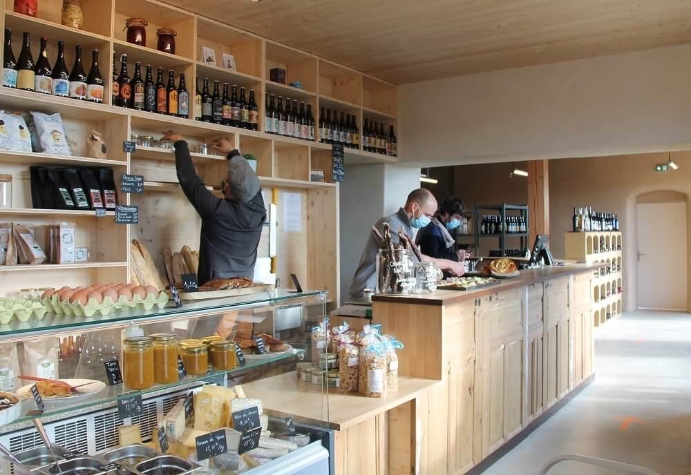 Menuiserie Drôme - Agencement pour les professionnels - épicerie (Auberge de Boffres)