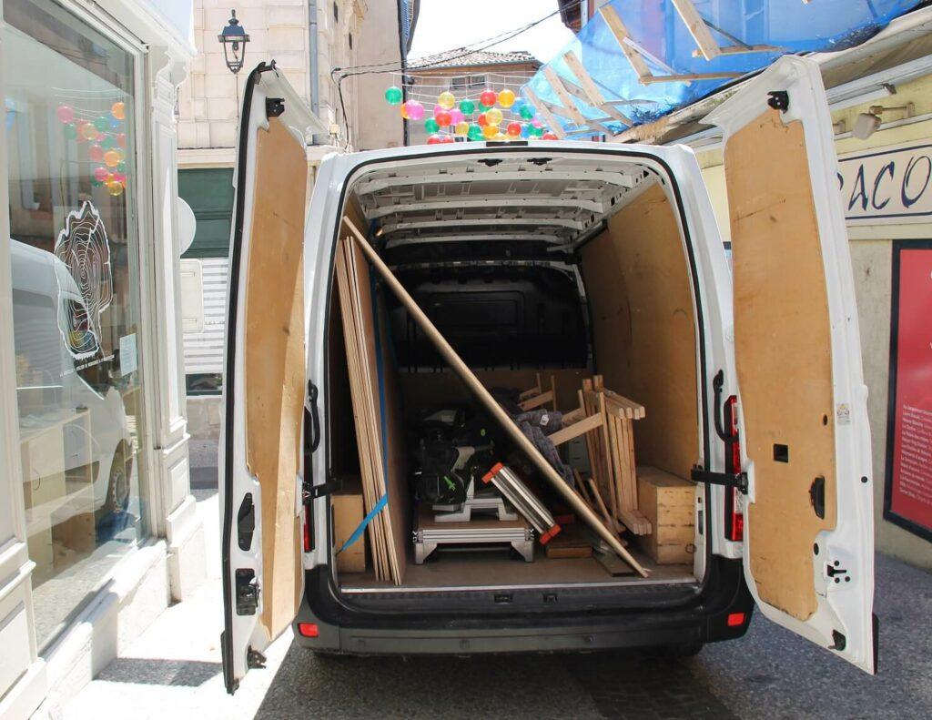 camion de menuiserie (arrière)